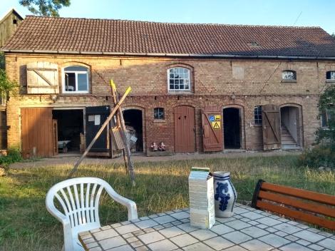 The old stables now the artist rooms / Der alte Stall nun die Künstlerzimmer